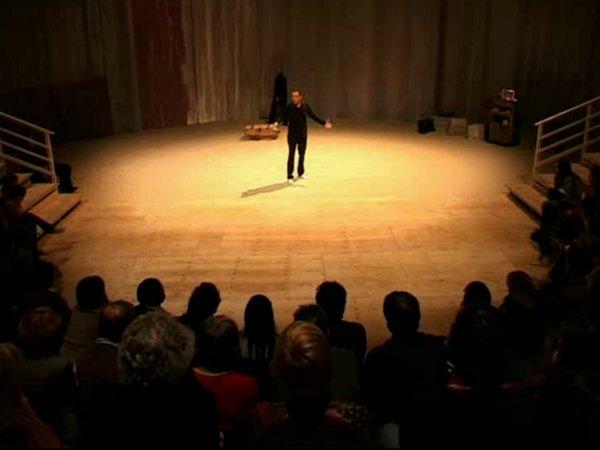 Vidéo Les Coloniaux, extraits vidéo
