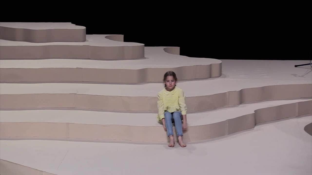 """Vidéo Fanny de Chaillé - """"Les Grands"""" - extraits"""