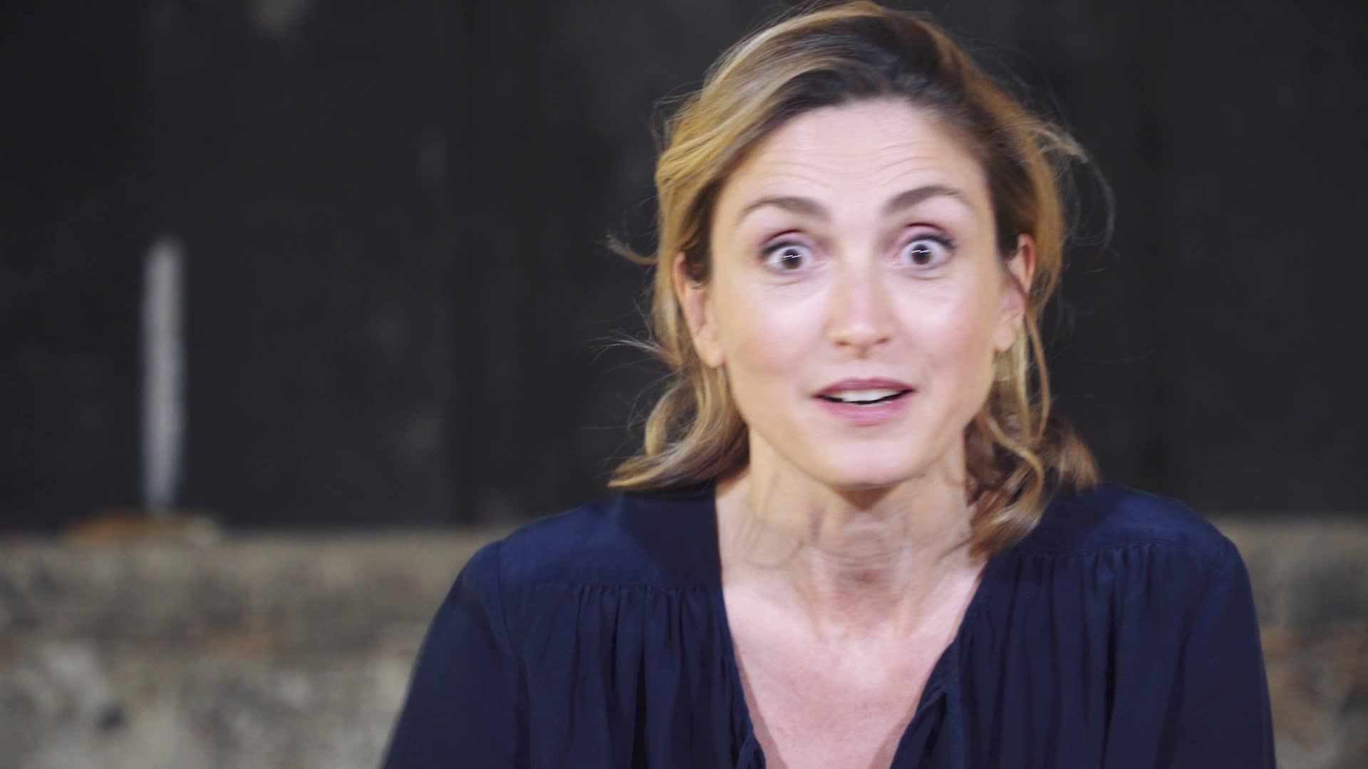 """Vidéo """"Rabbit Hole"""", m.e.s. C. Stavisky - Entretien avec Julie Gayet"""