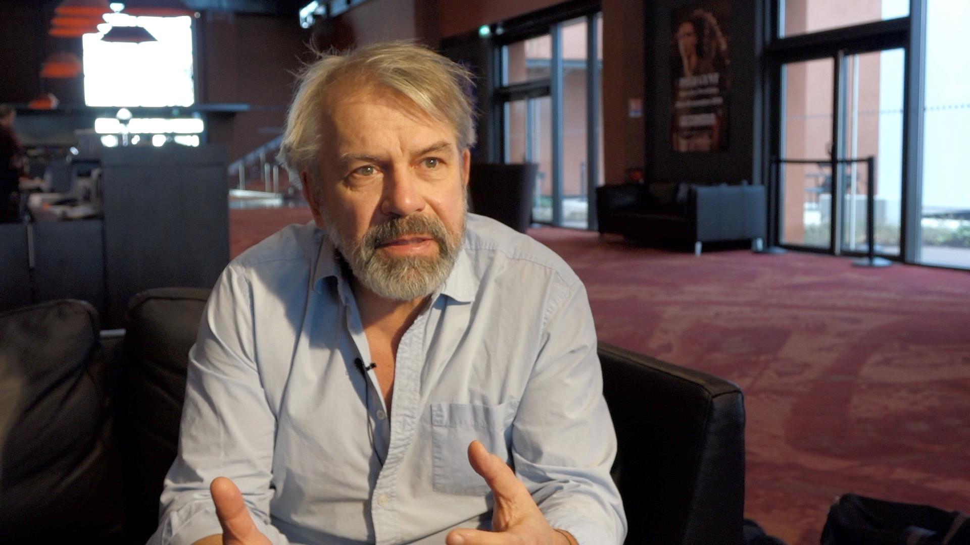 """Vidéo """"J'ai pris mon père sur mes épaules"""" : Philippe Torreton, l'approche du rôle"""
