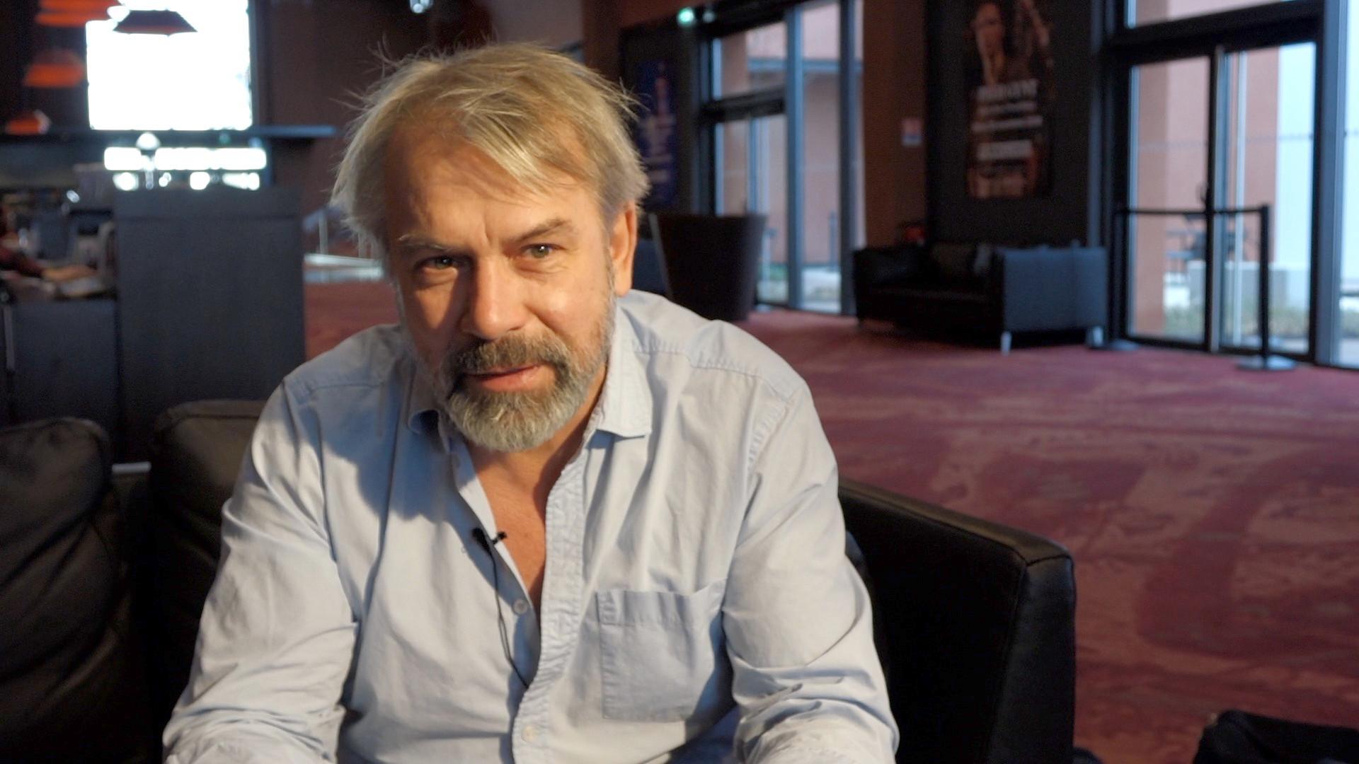 """Vidéo """"J'ai pris mon père sur mes épaules"""" : Philippe Torreton, conseils aux élèves"""