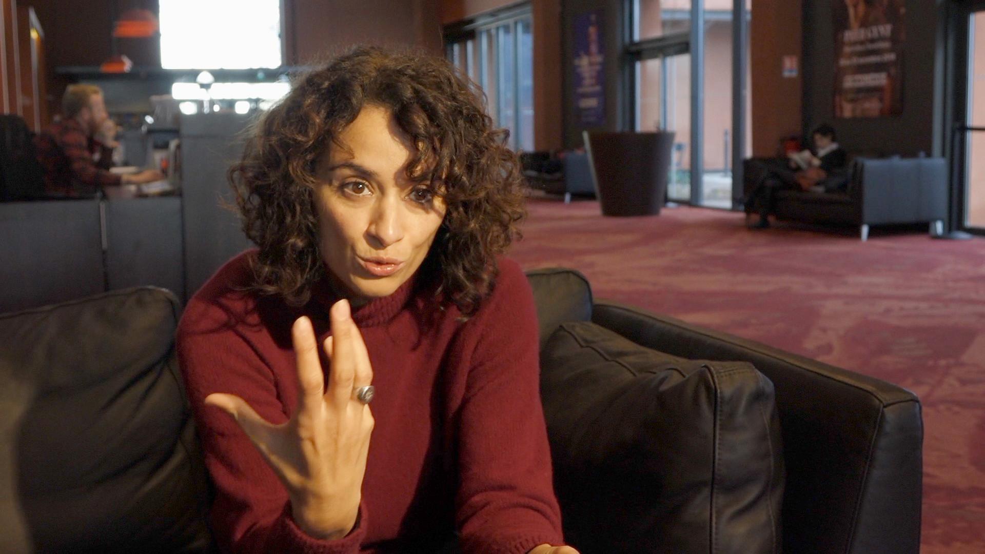 """Vidéo """"J'ai pris mon père sur mes épaules"""" : Rachida Brakni, conseils aux élèves"""