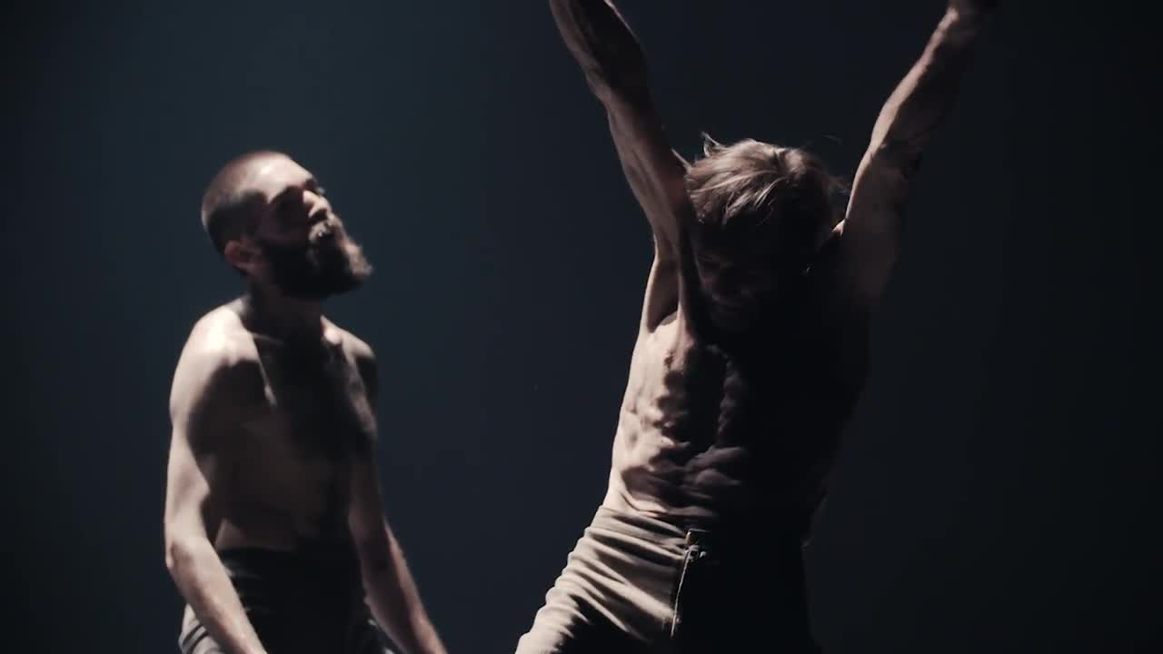 Vidéo Outwitting the Devil /  Akram Khan Company production trailer