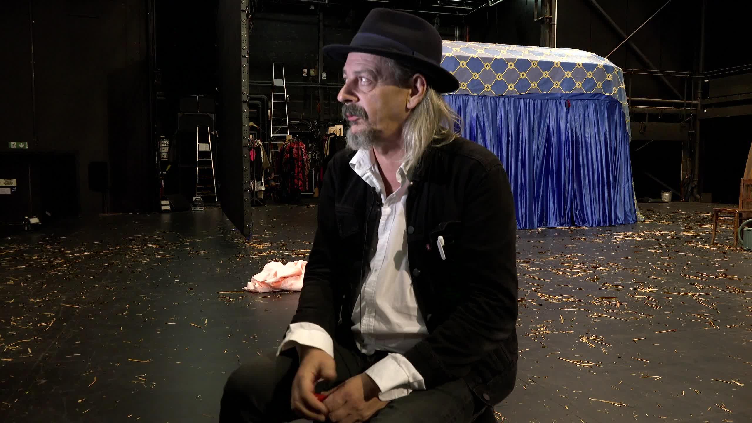 """Vidéo """"Bajazet - en considérant le Théâtre et la peste"""" de Frank Castorf par Jean-Damien Barbin"""
