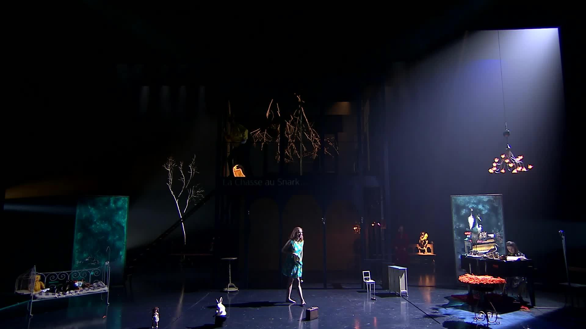 "Vidéo ""Lewis versus Alice"" - Macha Makeïeff - Bande-annonce"