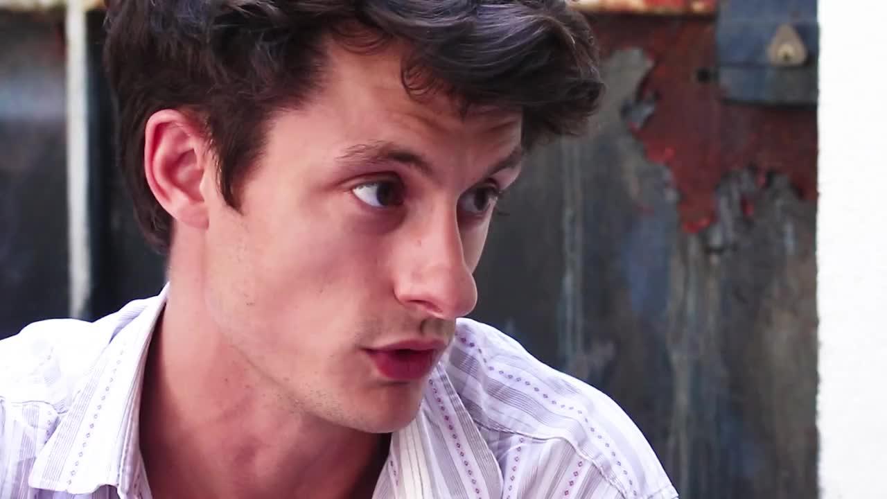 Image de la vidéo pour 'L'Avenir'