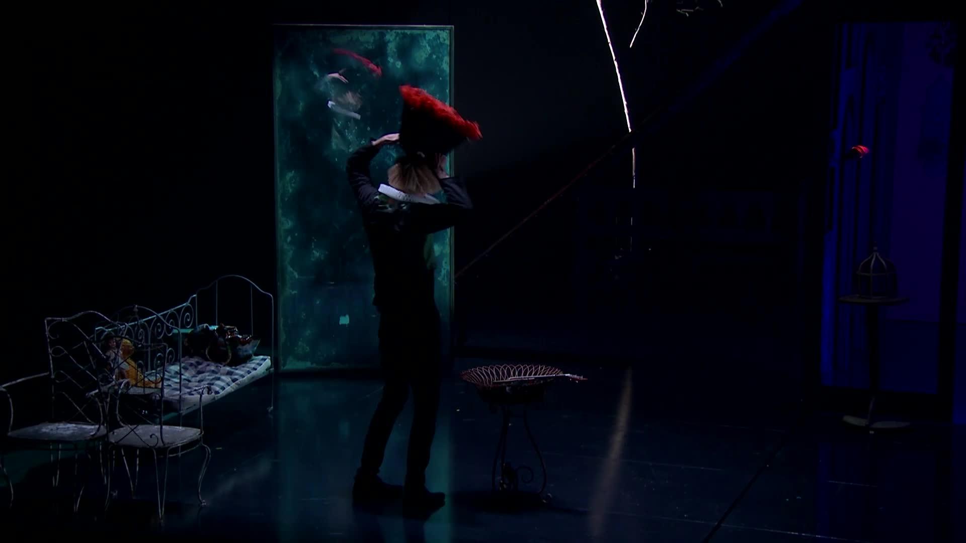 """Vidéo """"Lewis versus Alice"""" - Entretien avec Macha Makeïeff autour du spectacle"""