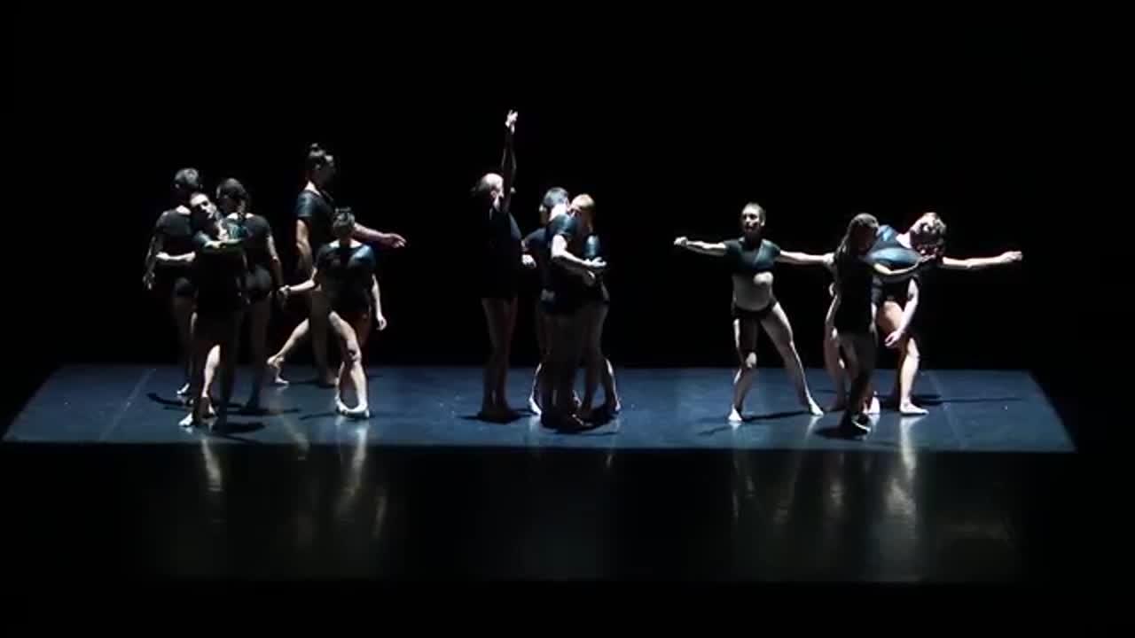 """Vidéo """"Gravité"""" Chorégraphie Angelin Preljocaj, extraits"""