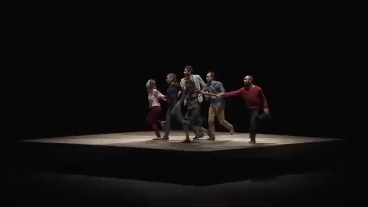"Vidéo ""Celui qui tombe"", Yoann Bourgeois / CCN2, extrait 2"