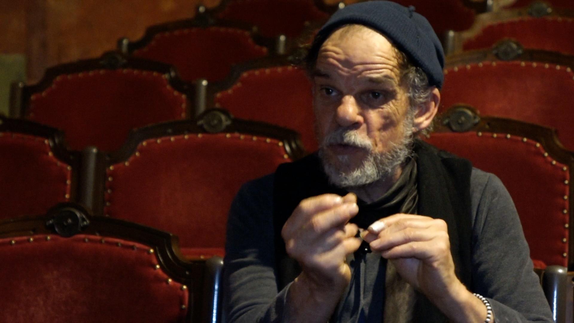 """Vidéo """"L'Image"""", entretien avec Denis Lavant : mettre en jeu l'espace des textes de Beckett"""