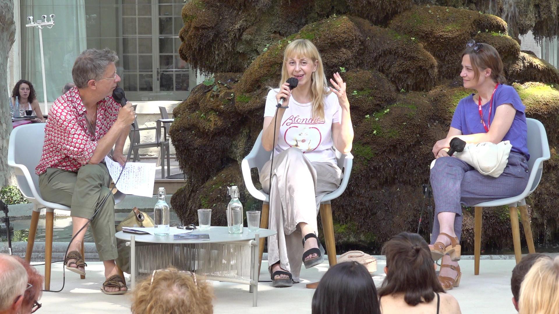 """Vidéo Lola Lafon et Chloé Dabert pour """"Le Mur invisible"""", conférence de presse du 21 juillet 2021"""