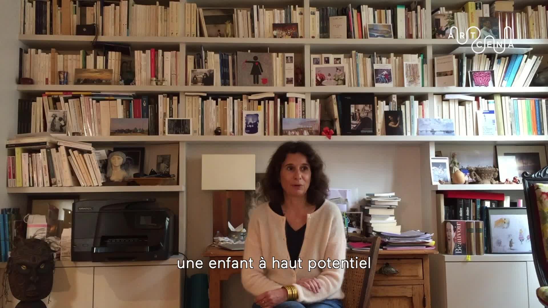 """Image de la vidéo pour 'À propos de """"Normalito""""'"""