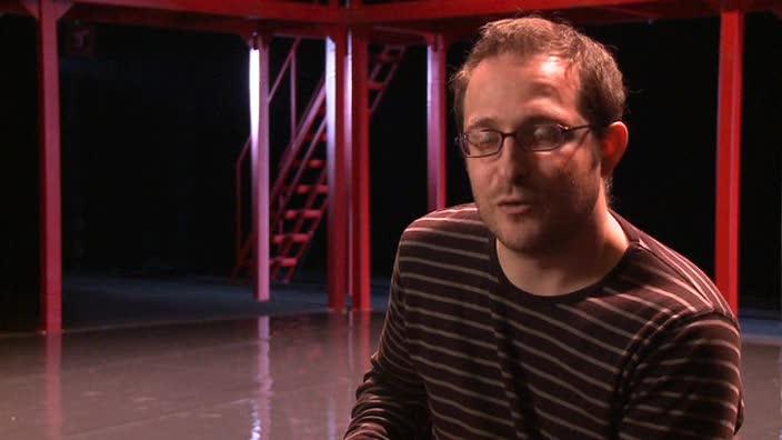 """Vidéo Le scénographe Damien Caille-Perret à propos de """"11 septembre 2001"""""""