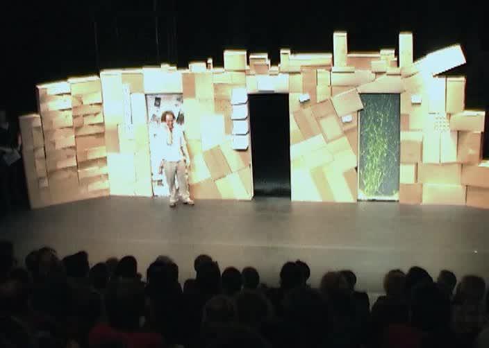 "Vidéo ""T.I.N.A."" de S. Grangeat, m.e.s. S. Valignat, maquette"