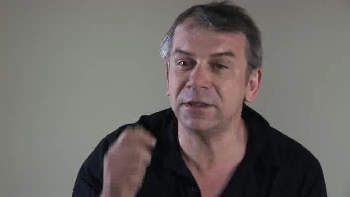 """Vidéo """"Cyrano de Bergerac"""", m.e.s. D. Pitoiset, entretien avec Philippe Torreton"""