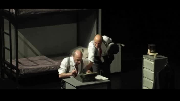 """Vidéo """"Sous la ceinture"""" de Richard Dresser, m.e.s. Delphine Salkin, bande-annonce"""