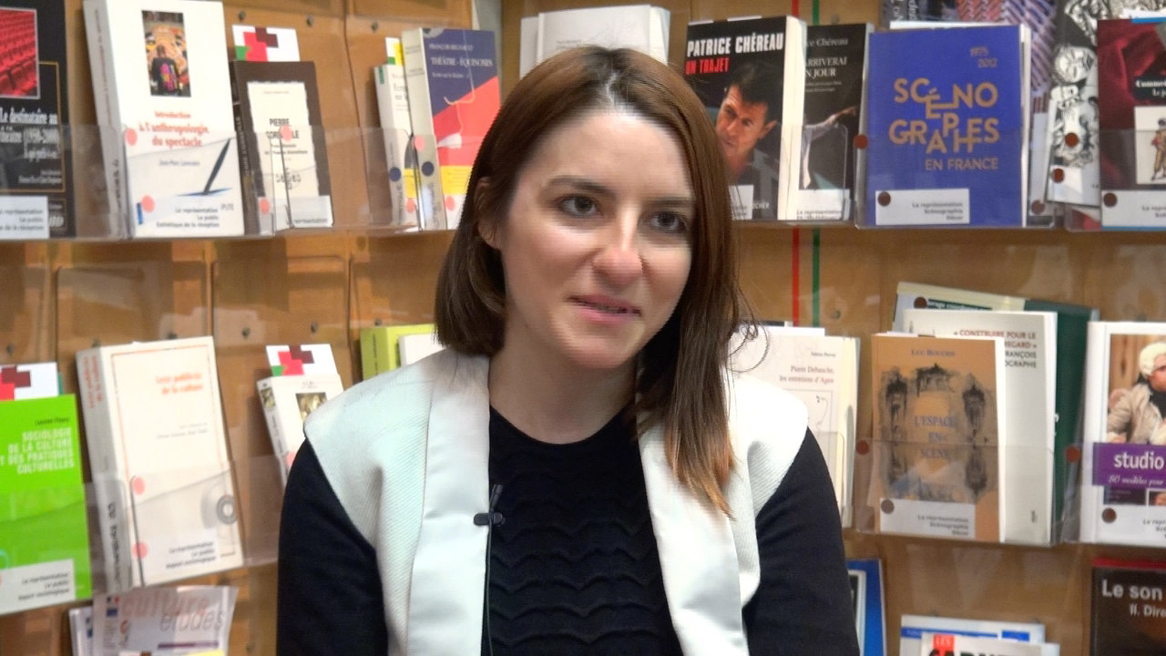 Image de la vidéo Alexandra Badea / L'écriture au jour le jour
