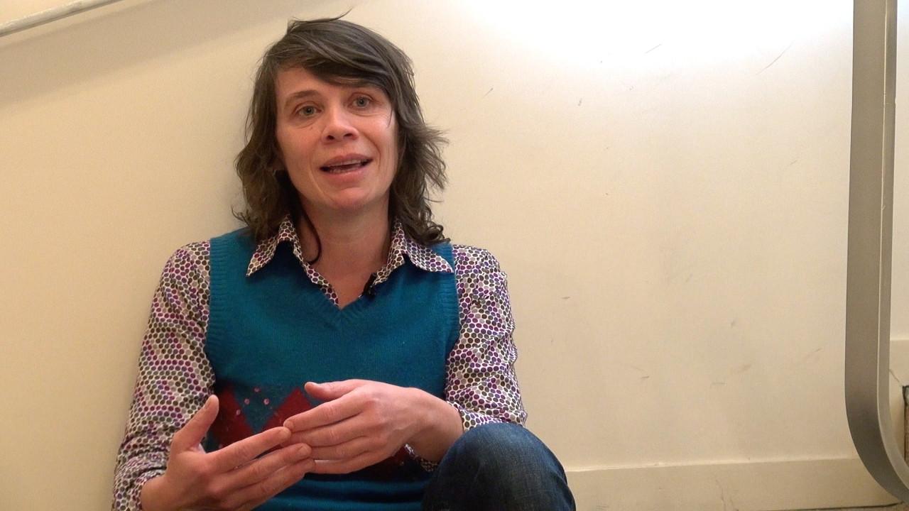 """Image de la vidéo pour 'À propos de """"Neuf Petites Filles (Push & pull)""""'"""