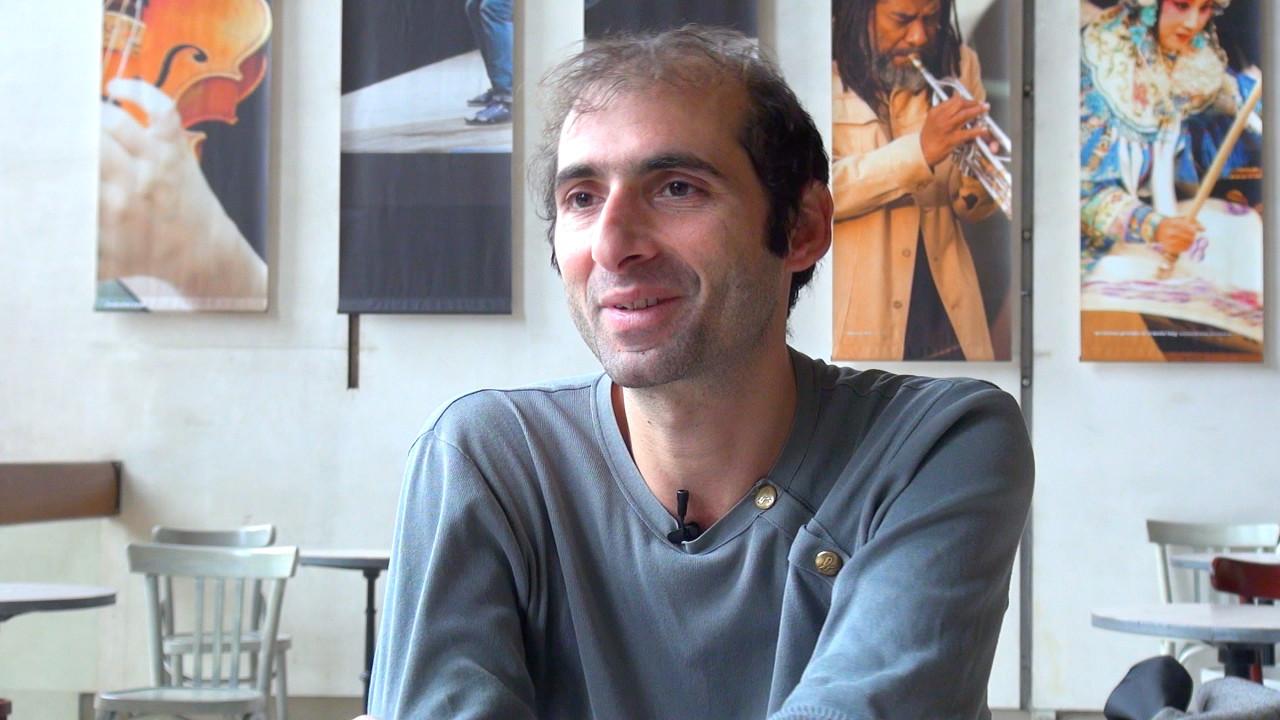 Image de la vidéo pour 'Les Époux'