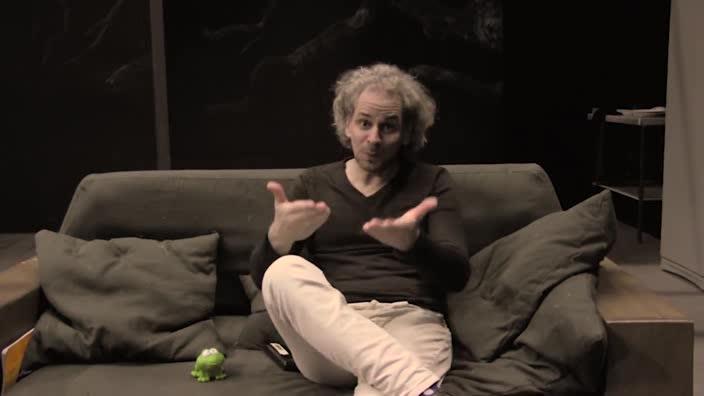 """Vidéo """"Dormir cent ans"""" de Pauline Bureau - Présentation en langue des signes"""