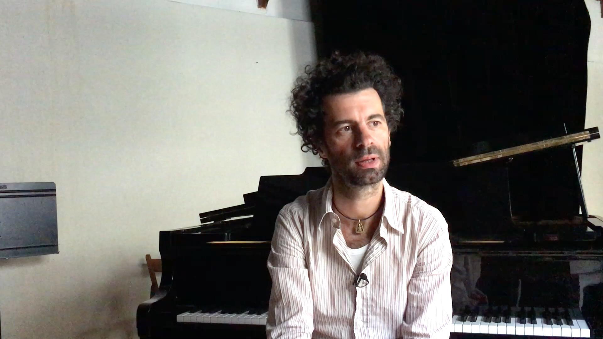 Image de la vidéo pour 'Désarmés, cantique'