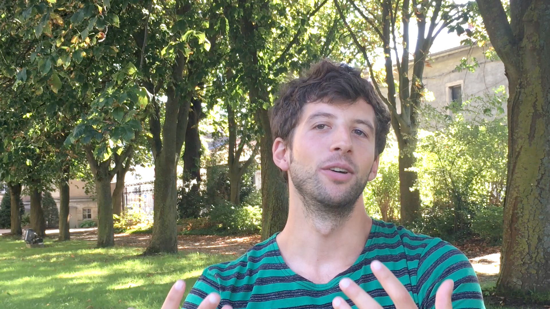 Image de la vidéo pour 'Tout entière'