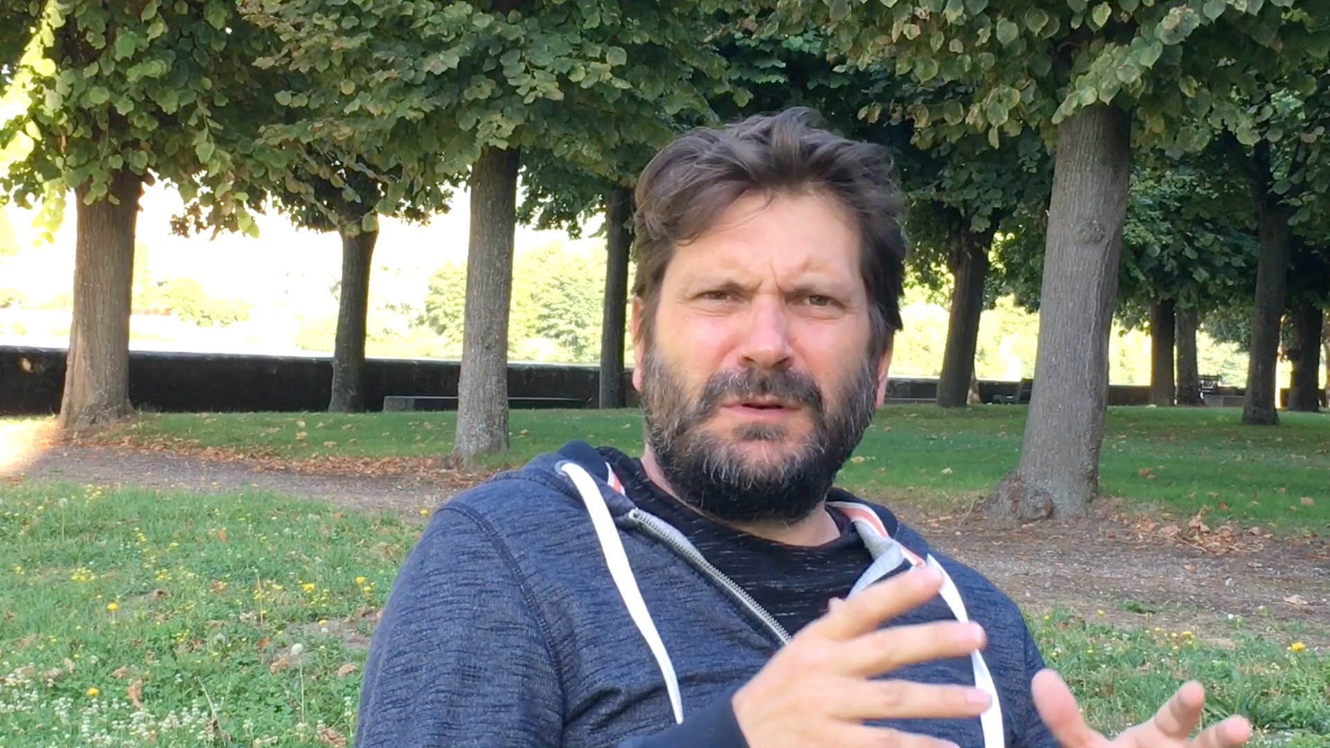 """Image de la vidéo pour 'À propos de """"Ludwig, un roi sur la lune""""'"""