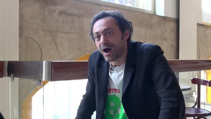 """Image de la vidéo pour 'A propos de """"Sombre rivière""""'"""