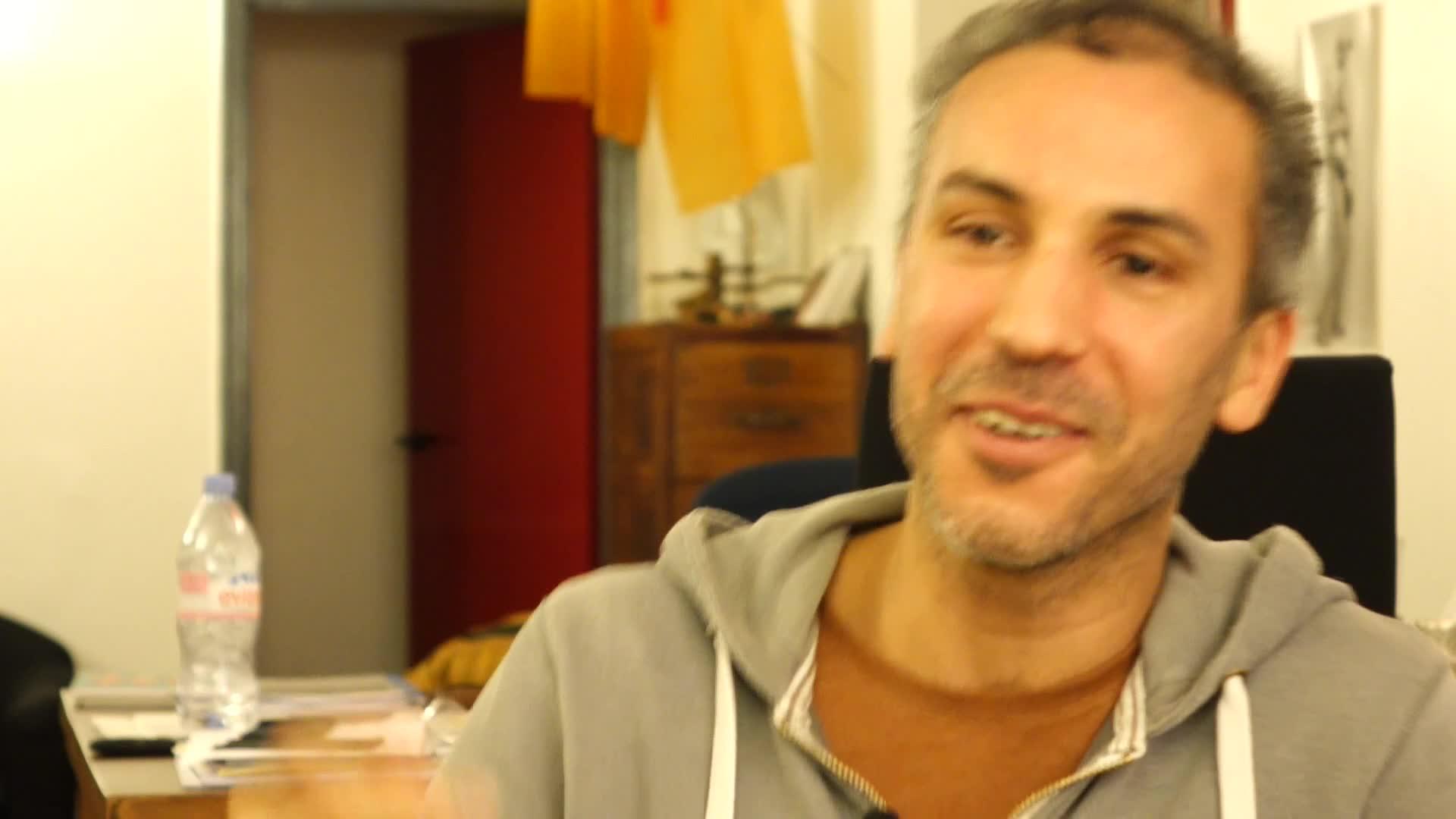 Image de la vidéo pour 'Stadium'