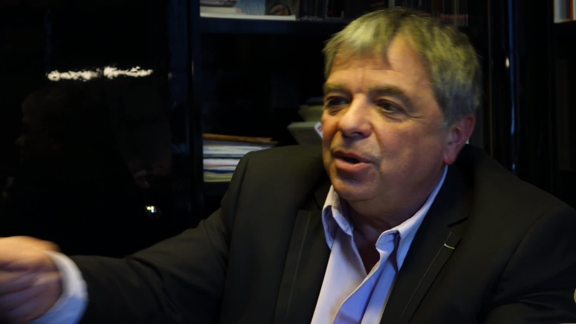 Image de la vidéo pour 'Lettres croisées'