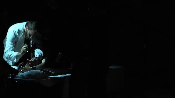 "Vidéo ""Schatten (Eurydike sagt)"" d'E. Jelinek, m.e.s. K. Mitchell - Bande-annonce"