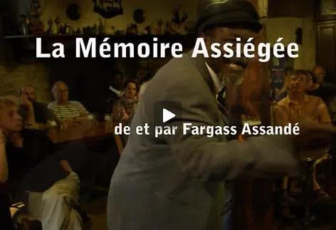 """Image du spectacle """"La mémoire assiégée"""", m.e.s. de Fargass Assandé, extraits"""
