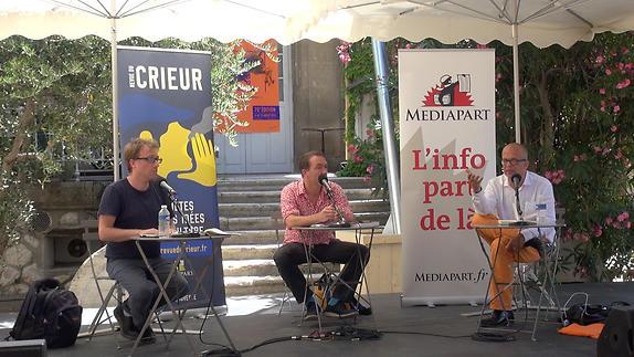 """Image du spectacle """"Penser ce qui nous arrive"""", avec Médiapart et La Revue du crieur"""