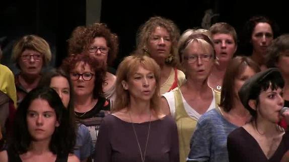 """Vidéo """"Grèves 60"""", m.e.s. Patrick Bébi, répétition du Choeur"""