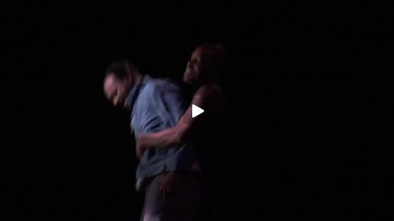 """Vidéo """"Air Europa"""" de Vincent Klint, m.e.s. Pierre-Jean Naud - Le commissaire"""