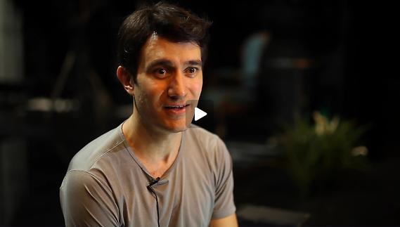Vidéo Jeunes critiques en Avignon - La politique prend l'eau