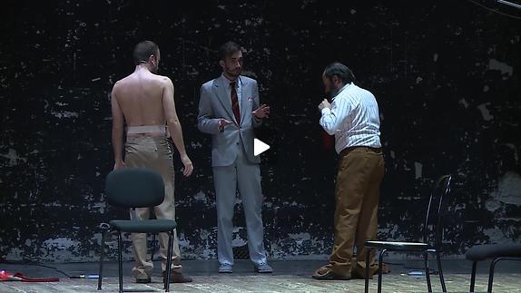 """Vidéo """"O kyklismos tou tetragonou"""", extraits"""