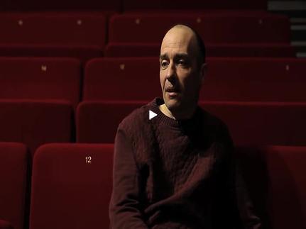Vidéo Jeunes critiques en Avignon - Le Chercheur