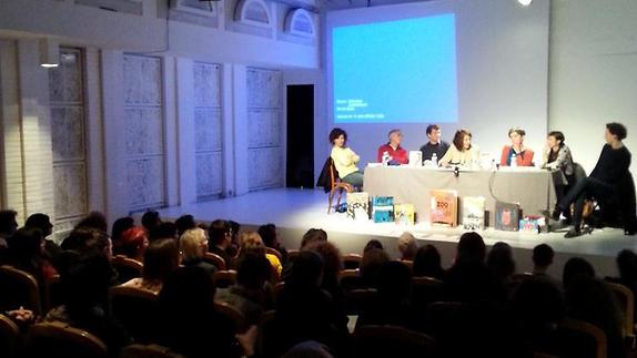 """Vidéo """"Les enjeux de la création jeunesse"""", table ronde au Théâtre Paris-Villette"""