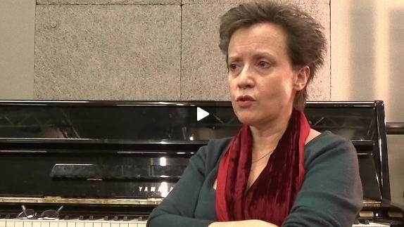 """Vidéo """"Le Cerf et le chien"""" - Interview de Véronique Vella pour Pianopanier"""