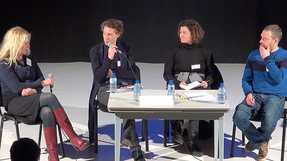 Vidéo Discussion autour du transmédia