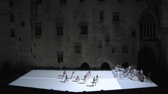 """Image du spectacle """"Story Water"""" de Emanuel Gat et Ensemble Modern - Extraits"""