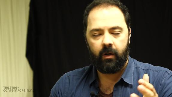 """Image du spectacle """"Un"""" écrit en trois langues par Mani Soleymanlou"""