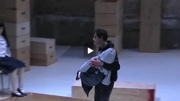 """Vidéo """"I Apologize"""" de Denis Cooper, m.e.s. Gisèle Vienne - Bande-annonce"""