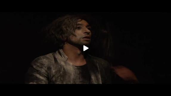 "Vidéo ""La Tête en bas"", performance de Vahram Zaryan, extraits"