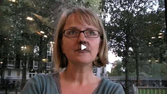 """Vidéo """"Moi dans ma tête"""" de K. Serres, m.e.s. de S. Ottinger, entretien avec K. Serres"""