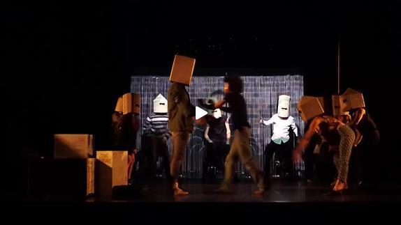 """Vidéo """"ADN"""" de Dennis Kelly, m.e.s. Julie Louart - Bande-annonce"""