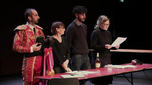 """Vidéo """"Show room, nouveau drame"""" de S. Joubert, m.e.s. Marie Vayssière et Arnaud Saury"""