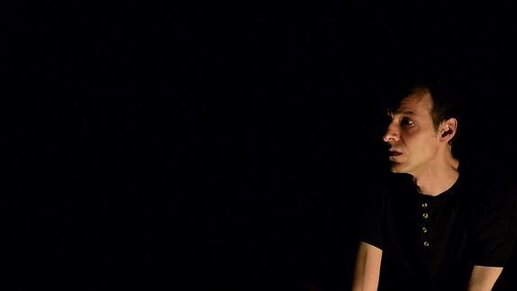 """Image du spectacle """"Une ombre dans la nuit"""", m.e.s. Annie Vergne - Bande annonce"""