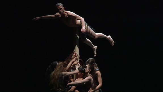 """Image du spectacle """"Kreatur"""", Sasha Waltz - Extrait"""